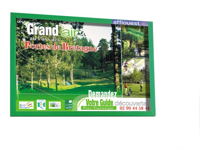 Affiche espaces verts Haute Bretagne Pays Vitré par Iconicité