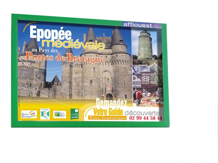 Affiche châteaux Haute Bretagne Pays Vitré par Iconicité
