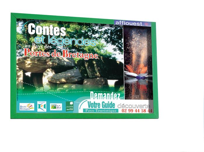 Tourisme étincelles aquatiques Martigné Ferchaud par Iconicité